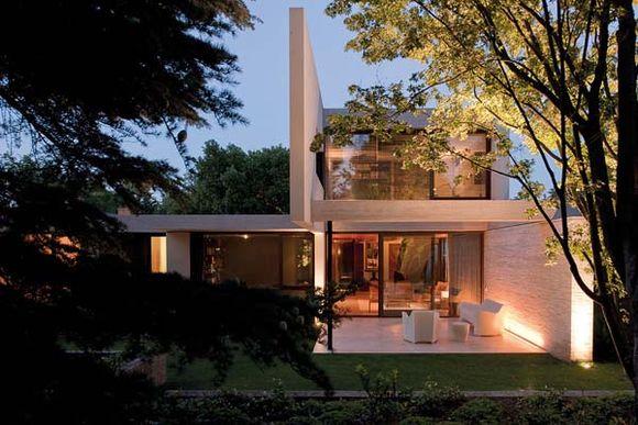 Fray-Leon-House-3