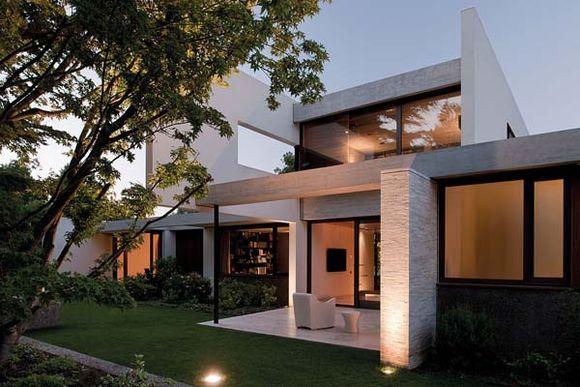 Fray-Leon-House-4