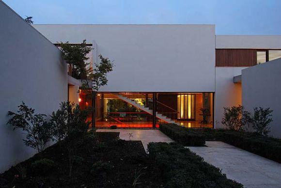 Fray-Leon-House-6